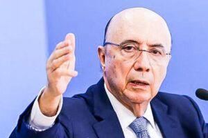 Meirelles comparou o sistema previdenciário do Brasil com o de outros países e mostrou que, na média, a aposentadoria dos brasileiros chega, na média, a 76% do salário médio