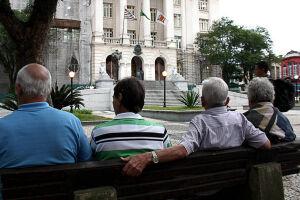A secretária nacional de promoção e defesa dos direitos da pessoa idosa critica reajuste a plano de idoso