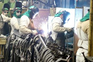 A indústria está entre os setores que mais criaram postos de trabalho em outubro
