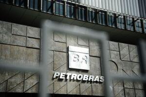 Investidores da Petrobras que adquiriram ações no Brasil entraram na Justiça de São Paulo