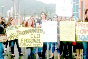 Governo e Sindicato discutem situação das pajens de Guarujá