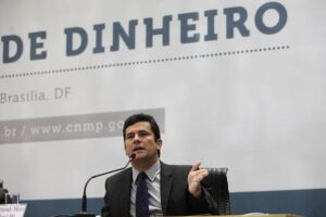 Sérgio Moro foi alvo de protesto durante congresso dos procuradores municipais