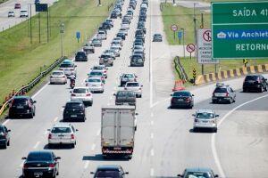 Aproximadamente 2,2 milhões de veículos devem circular pelas rodovias que têm acesso à Região Metropolitana de São Paulo