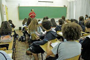 As agressões intencionais feitas repetidamente por alunos também serão discutidas