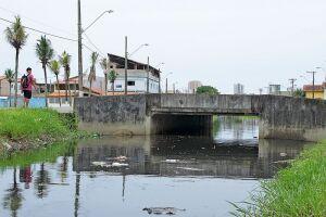 Moradores estão cansados de solicitar à prefeitura melhorias no sistema de drenagem