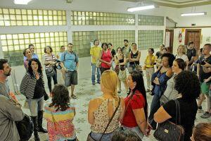 O atraso no 13º dos 14 mil funcionários públicos de Santos deve parar na Justiça