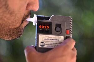 """Segundo um levantamento feito pelo movimento """"Não Foi Acidente"""", de 2009 até hoje, foram registrados 460 mil casos de morte provocados por motoristas embriagados"""