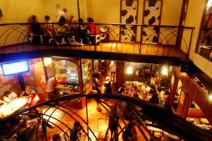 Os bares da Rede Biroska estão abertos no Réveillon