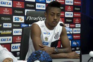 Bruno Henrique cuspiu no rosto de Gabriel Marques e foi expulso -o adversário revidou a agressão e também recebeu cartão vermelho