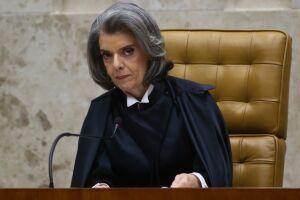 Cármen Lúcia suspendeu artigos do indulto natalino concedido pelo presidente Michel Temer