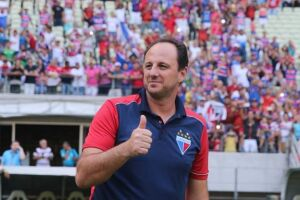 No final de novembro, Rogério Ceni aceitou o desafio de treinar o Fortaleza