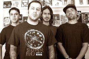 A banda CMP 22 se apresenta no dia 14 de janeiro, em Praia Grande