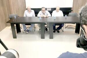 Os autores da denúncia foram os três candidatos de oposição à presidência do clube - Nabil Khaznadar, José Carlos Peres e Andrés Rueda