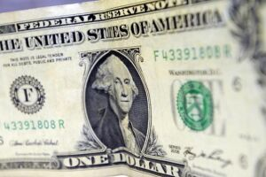 Mais dólares saíram do país que entraram em novembro