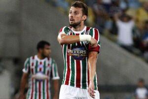 O Fluminense decidiu liberar Henrique e outros nomes para tentar aliviar a folha salarial a partir de 2018