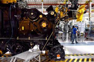 Indicador de produção da indústria registrou 50,5 pontos em novembro, depois de assinalar 52,6 em outubro