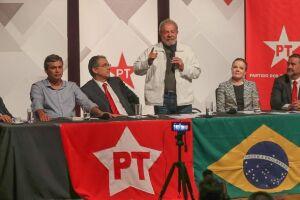 Em discurso, que durou aproximadamente 30 minutos, Lula disse que há uma tentativa de impedir que o PT volte ao poder
