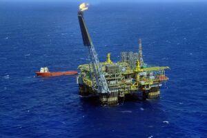 Produção de petróleo cai em outubro
