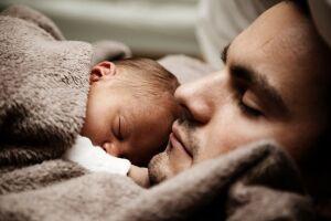 Em situação de adoção, o salário-maternidade é pago diretamente pelo INSS