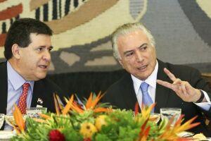 Os presidentes do Paraguai Horacio Cartes e do Brasil Michel Temer, em almoço oferecido durante a 51ª Cúpula de Chefes de Estado do Mercosul e Estados Associados