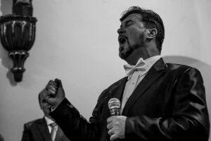 Ezio Bonini já se apresentou com o famoso Luciano Pavarotti