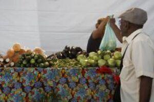 Redução no preço dos alimentos impactou a queda na inflação da população mais pobre