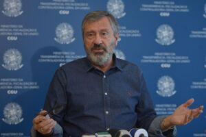 Torquato Jardim afirmou que o presidente Michel Temer não vai recuar do decreto publicado na sexta-feira (22)