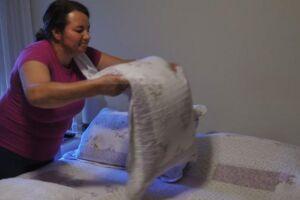 São consideradas outras formas de trabalho a atividade na produção de bens; os cuidados de pessoas, afazeres domésticos e o trabalho voluntário