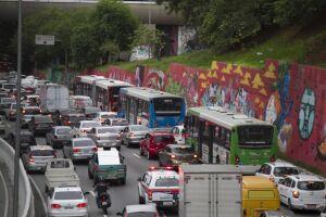 média dos veículos estão posicionados nas avenidas Jacu-Pêssego, 23 de Maio, Bandeirantes e na pista expressa da Marginal Tietê
