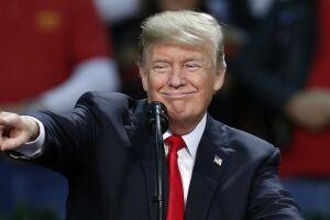 Trump comemora altas do mercado de ações norte-americano