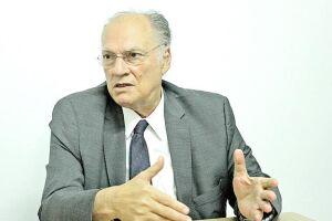 O deputado federal e ex-ministro da Cultura, Roberto Freire (PPS), visitou as novas instalações do DL nesta segunda-feira (22)