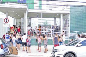 A Secretaria de Saúde de Santos informou que até o final da tarde de ontem, 1.880 das 3.500 doses recebidas, foram aplicadas. As unidades farão aplicação das doses remanescentes nos horários estabelecidos
