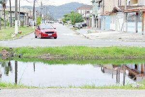 Moradores da Avenida Marquesa de Santos, no bairro Tude Bastos, em Praia Grande, entraram em contato com o DL para cobrar as melhorias prometidas pela Administração para a via citada