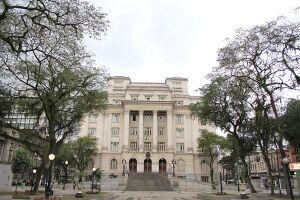 Prefeitura de Santos nomeia 35 aprovados em concurso público