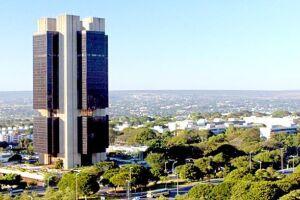 O Banco Central (BC) estima que a dívida pública do Brasil continue crescendo em janeiro