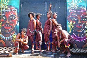 O Grupo Teatro Widia com um elenco formado por 90% de negros