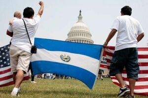 Muitos salvadorenhos imigraram para os EUA após os terremotos devastadores na América Central em 2001