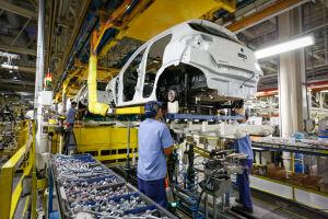 Ao todo, foram produzidos 2,7 milhões de carros de passeio, comerciais leves, ônibus e caminhões