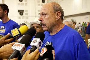 """""""Estamos atrasados em relação aos outros clubes"""", admitiu José Carlos Peres, que sucedeu Modesto Roma Júnior na presidência do Peixe"""