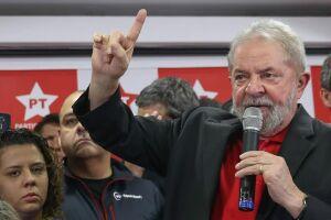 A data é véspera do julgamento do recurso do ex-presidente Luiz Inácio Lula da Silva no caso do triplex do Guarujá (SP)