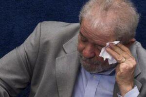 Desembargadores do TRF4 mantêm condenação de Lula no caso triplex