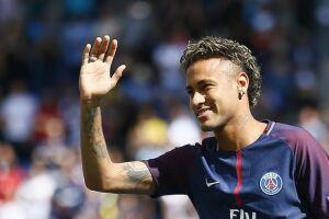 Neymar, responsável pela maior transferência da história do esporte, lidera a lista com mais de 10 milhões de euros de vantagem para o segundo colocado, Lionel Messi