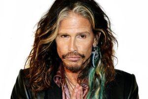 Vocalista do Aerosmith tem instituição que trabalha com meninas vítimas de abuso sexual.