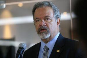 Raul Jungmann assumirá o comando do novo Ministério Extraordinário da Segurança Pública