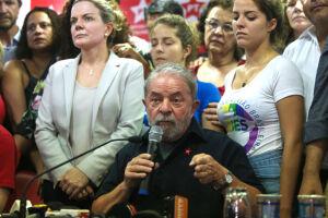 Empresário que prestou serviço nas obras do sítio diz que recebeu de um ex-assessor de Lula