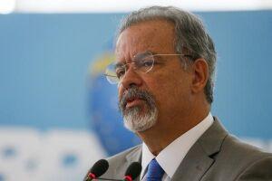 Jungmann defende respeito a direitos humanos no combate ao crime
