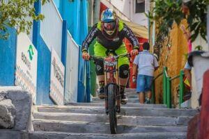 Descida das Escadas de Santos é aberta ao público