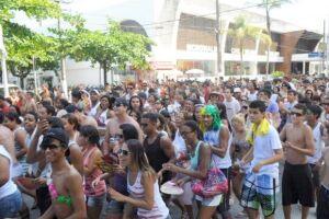 O Carnaval em Guarujá promete muita animação