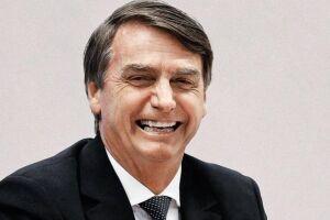 """Bolsonaro foi recepcionado aos gritos de """"mito"""" por brasileiros que estavam no Japão."""