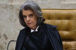 """Cármen Lúcia, afirmou que """"há uma imperiosa necessidade de se superar o quadro de violência"""" vivido atualmente pela sociedade brasileira"""